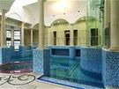 Rezidence Updown Court má celkem pět bazénů. O zábavu je zde postaráno.