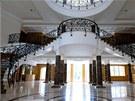 Rezidence  Updown Court je postavená v neoklasicistním kalifornském stylu.