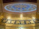 Některé podlahy v domě jsou zdobené 24karátovým zlatem.