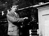 Ferdinand Porsche při práci u věhlasné vídeňské elektrofirmy Béla Egger Co.