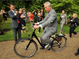 Princ Charles na elektrokole