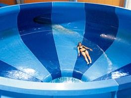 Lákadlem akvaparku v Kladně je adrenalinový spacebowl.