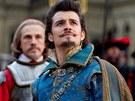 Z filmu T�i mu�ket��i 3D - Orlando Bloom jako v�voda z Buckinghamu