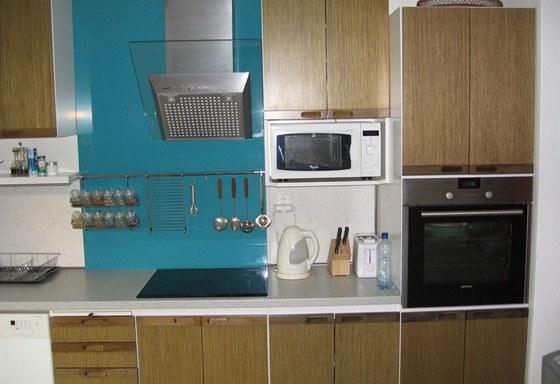 Dvířka kuchyně Aroma vypadají i po 27 letech používání jako nová.