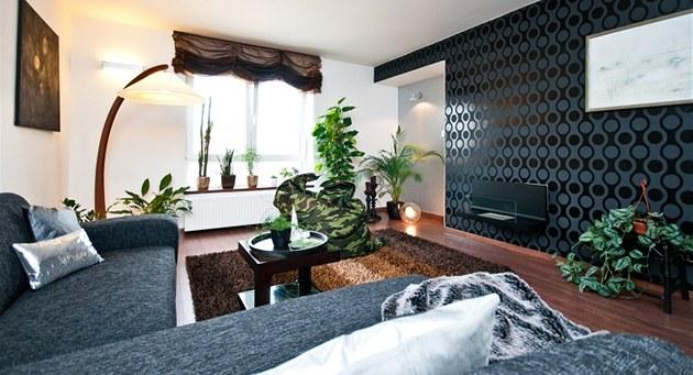 V obývacím pokoji také oproti jiným interiér�m schází televize, která je