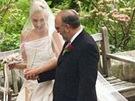 Svatební šaty Gwen Stefani navrhl John Galliano pro Dior.