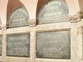 Interiér hrobky Harrachů v Horní Branné na Jilemnicku