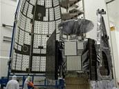 Sonda Juno pod štítem