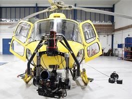 FlightCam - vrtulník s namontovaným stabilizačním systémem a kamerou