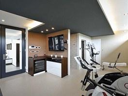 Relaxační část domu je kromě posilovacích strojů vybavena i saunou, spa, při