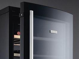 Vinot�ka od Electroluxu nab�z� velk� prostor pro skladov�n�.