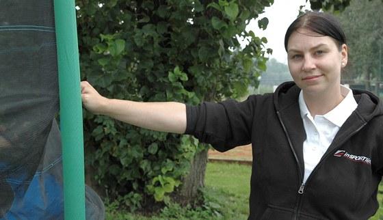 Monika Šindlerová ukazuje různé druhy upevnění ochranných sítí.