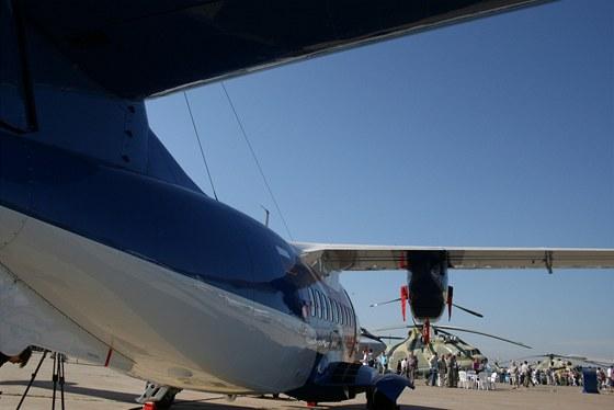 Ze svého místa na MAKS měl l410 výhled na novou verzi těžkého vrtulníku Mi-26 a