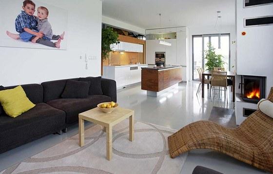 Většinu nábytku zakoupili majitelé domu v IKEA. Zdroj: www.mujdum.cz