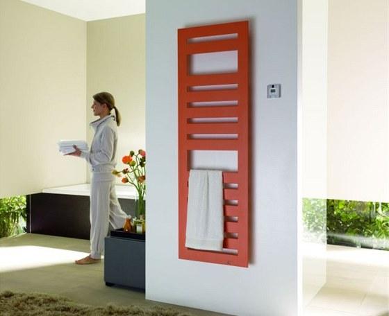 Výrazné barvy lze použít i na radiátory.