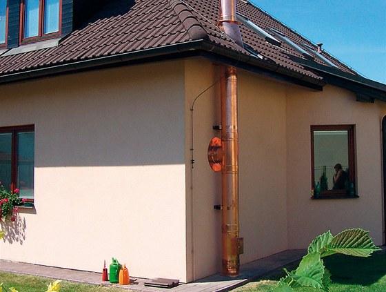 Nerezové komíny nepotřebují pevný základ, můžeme je proto instalovat i