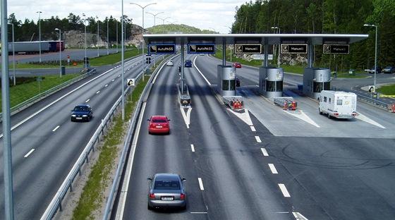 Mýtnice na novém dálničním mostě u Svinesundu