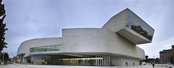 MAXXI Muzeum v Římě (2010) přišlo na 150 milionů eur. Má být dialogem mezi