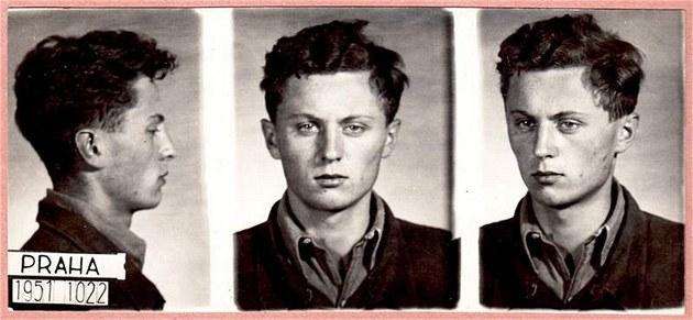 Ctirad Mašín na policejní fotografii z vazby, kde skončil po zatčení za