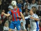 ZKROTÍM TĚ. Plzeňský Martin Fillo zpracovává míč v utkání proti FC Kodaň.