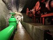 Inspekční štoly s potrubím technologické vody