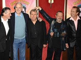 Skupina Monty Python (2009) - Zleva: Michael Palin, John Cleese, Terry Jones,