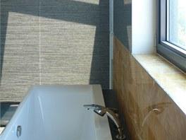 V koupelnách se objevil dnes již netradiční onyx.
