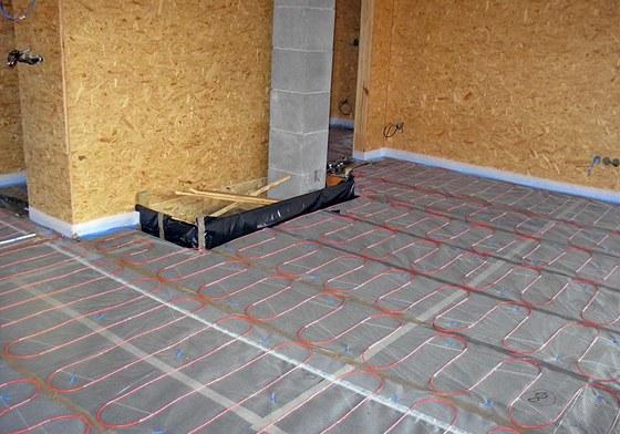 Podlahov� kabelov� roho�e Ecofloor� jsou polo�eny pod anhydritovou nosnou desku