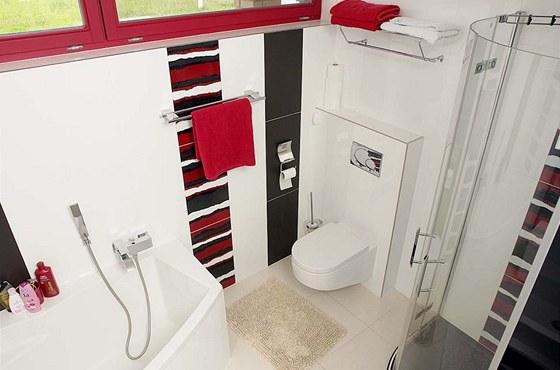 Design koupelny se rovněž nese v černo-červeno-bílém provedení (RAKO, série