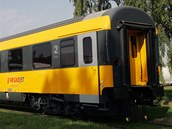 Vlak majitele Student Agency Radima Jan�ury RegioJet v nov�m laku. Interi�r