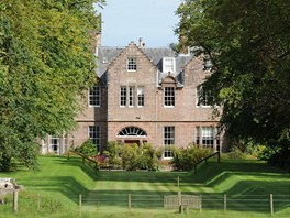 Brad Pitt a Angelina Jolie bydlí ve Skotsku na zámku Carnell