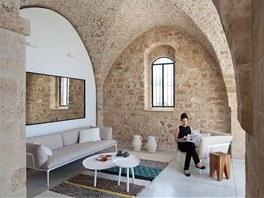 V interiéru se snoubí moderní materiály jako plast a Corian s tradiční