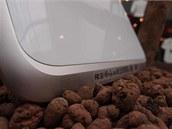 Reproduktory na spodu tabletu Lenovo IdeaPad K1.