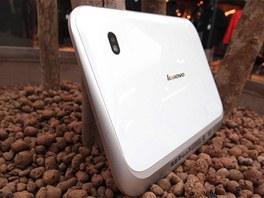 Zadn� strana tabletu Lenovo IdeaPad K1.
