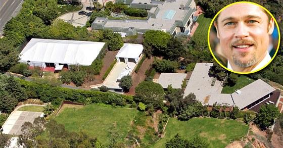 Sedmačtyřicetiletý Brad Pitt si vilu koupil v roce 2005 za 8,41 milionu dolarů.