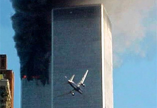 Bezstarostné newyorské ráno ukon�il v 8.46 náraz letounu American Airlines do...
