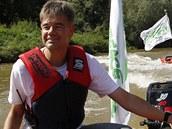 Členové Greenpeace na člunech