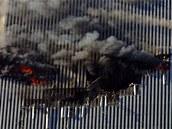 Náraz letadla a následný požár fatálně oslabily ocelovou konstrukci obou věží