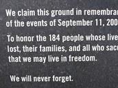Památník obětem útoku na Pentagon v roce 2001