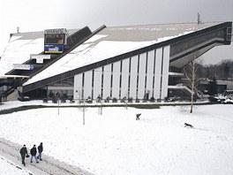 V�ce��elov� hala ve Fr�dku-M�stku v zimn� podob�.  U� za p�r let ale z�ejm�