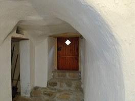 Tloušťka zdí překračuje v některých místech přes jeden metr.