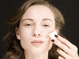 Jak nanášet make up houbičkou