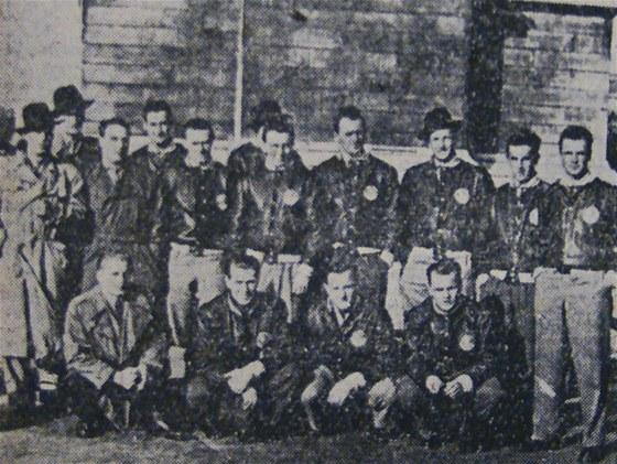 Skupinová fotka hokejistů – Svobodné slovo, 12. 11. 1948