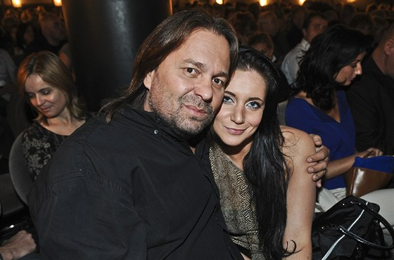 Jiří Pomeje s přítelkyní