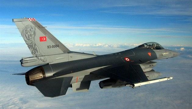 Letoun F-16 tureckého letectva