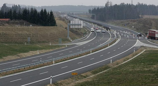 Nový úsek dálnice D3 u Tábora.