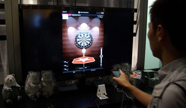 Mobilní hry a aplikace na Tokyo Game Show 2011 - mobilní šipky využívají