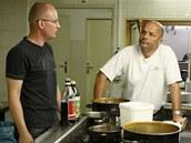 Zdeněk Pohlreich s majitelem restaurace Sedmé nebe, panem Nejedlým
