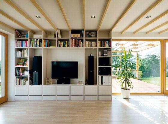 Sestavu v obývacím pokoji navrhli členové ateliéru A1 stejně jako většinu
