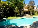 Herečka dům pronajímá za 35 tisíc dolarů měsíčně.